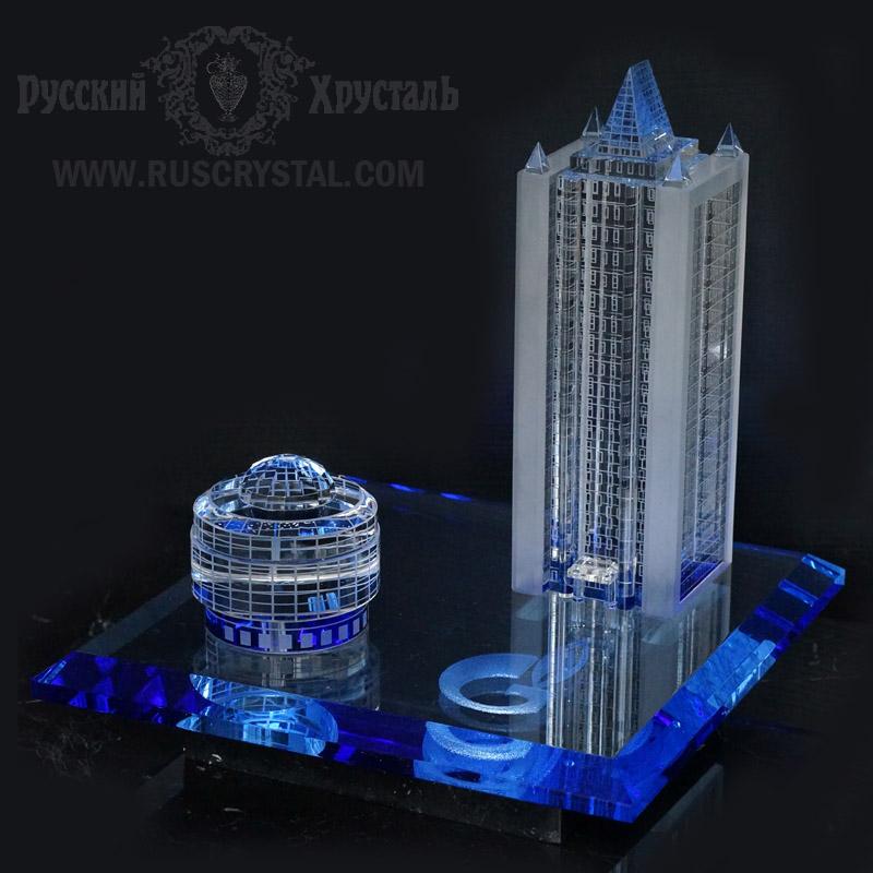 корпоративный сувенир  макет здания из синего оптического стекла и бариевого хрусталя