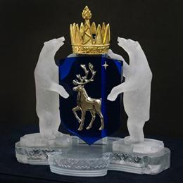 Герб  Ямало - Ненецкого округа  из хрусталя цветного стекла и позолоченной бронзы