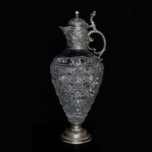 графин из серебра и хрусталя изготовлен по старым  технологиям русских ювелирных фирм