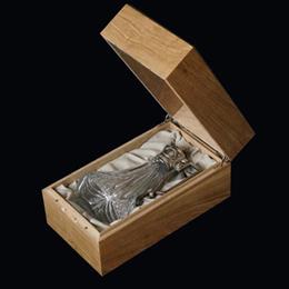 подарочные наборы в коробках из дерева хрустальный кувшин с серебряным декором