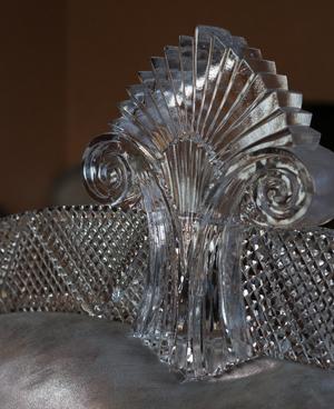 хрустальные  декоративные детали для украшения мебели изготовлены на заказ по индивидуальному дизайну